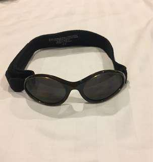 Kidz Banz sunglasses for 1-3yr olds. Comfortable &adjustable stretchy band. Good quality lenses, from Australia #50under #UNDER90