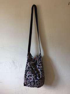 simple sling bag #MidSep50