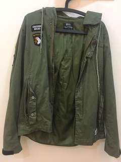 🚚 軍綠色外套