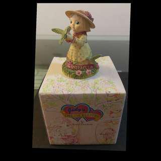 🚚 英國 Royal Doulton 皇家道爾頓 小女孩 雕像 含外盒