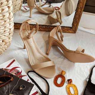 New Spurr Shoes - size 6