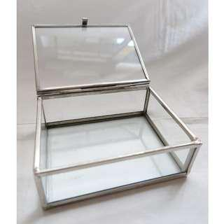 Antique/ Vintage Glass jewelry display box with metal frame 玻璃古董首飾盒