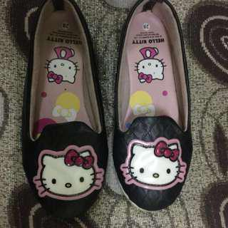 Hello kitty shoes #under90
