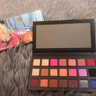 Kylie cosmetics birthday sipping pretty eyeshadow palette new and authentic