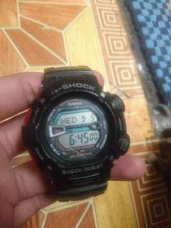Casio mudman red black