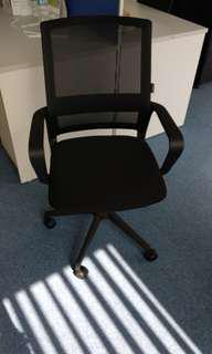 辦公室油壓座椅 9成9新 共有4張