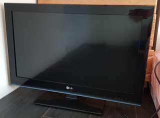 """LG 32""""液晶電視"""