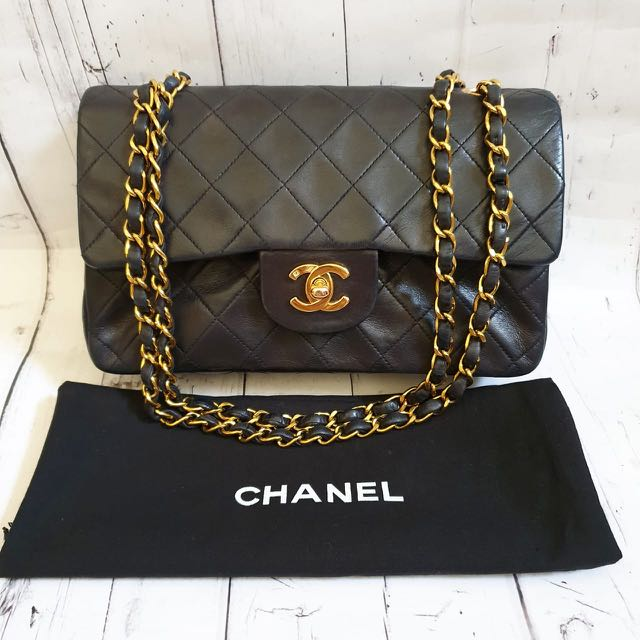 2d83f34e819bd8 2nd Chanel Vintage Small 23 cm black lamb GHW #3 with db & holo ...