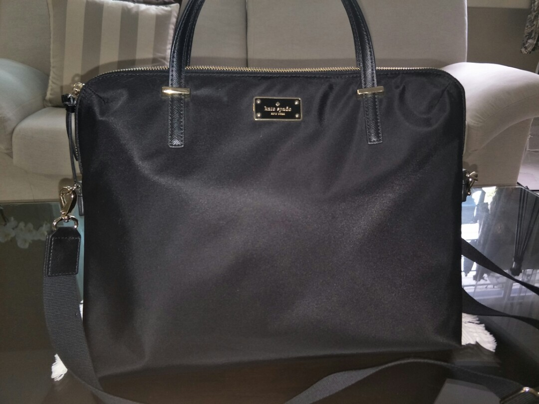 buy online b7f5b fe833 Almost new! Kate Spade 15