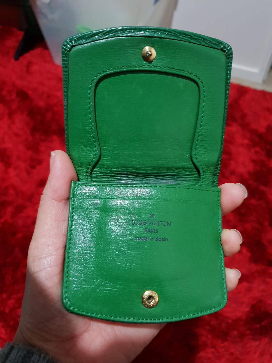 Authentic Epi Noe LV coin purse,can put some notes and 1 card.