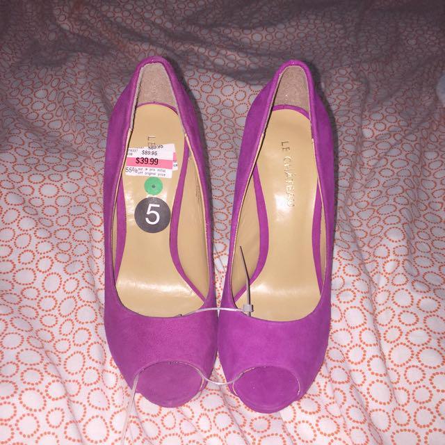 LE chateau heels size 5