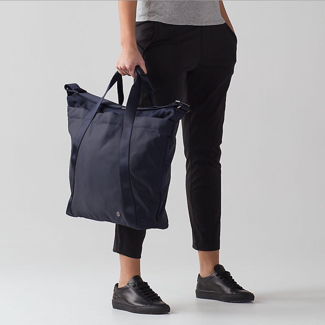 Lululemon Carry the Day Bag