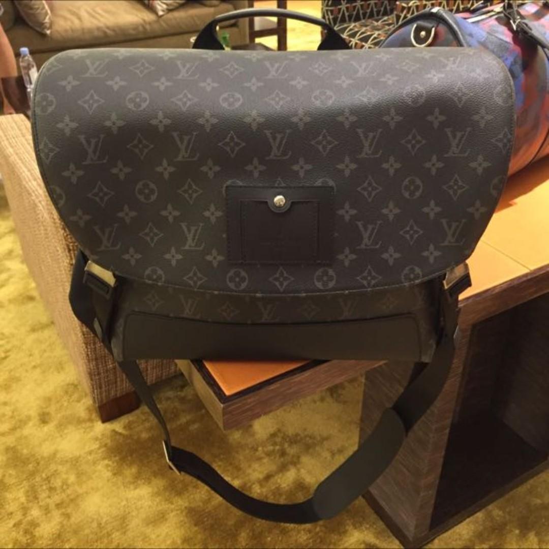 Louis Vuitton Men  s Bag M40510 0a7b8cd7815af