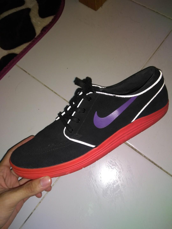 premium selection e8f0f 5920f NikeSb Stefan Janoski Lunar Black Hyper Grape, Men s Fashion, Footwear on  Carousell
