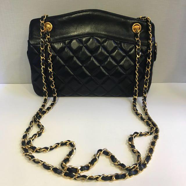 24dcb2b92945 PreLoved Chanel Vintage Shoulder  Crossbody Bag