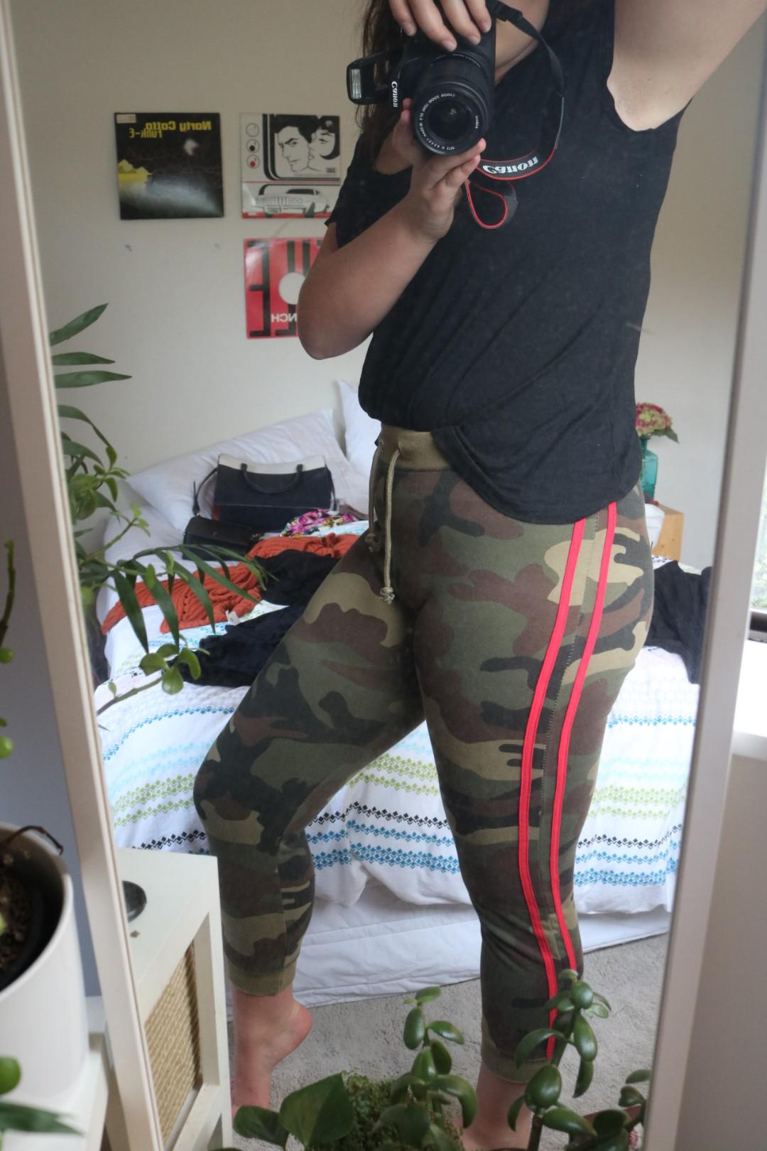 Pretty little thing camo joggers