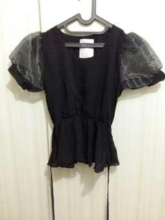Black blouse with transparent baloon sleeves