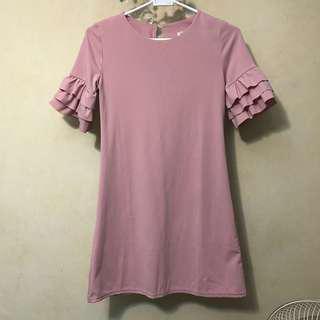 粉紅色連身裙 $40包郵