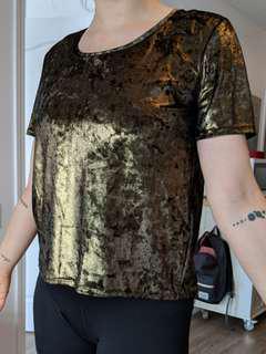 Gold shimmery tshirt