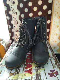Auth Union bay boots