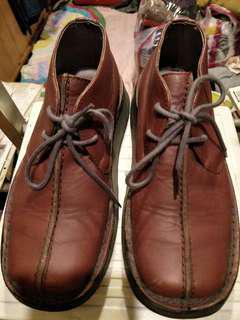 🚚 FLY 低筒牛皮靴(英國製)37號