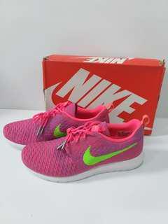 Nike Roche Neon Pink