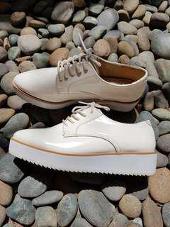 Platform shoes. White. Mulus. Bersih. 38
