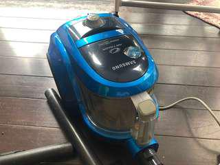 Vacuum cleaner (good condition)negotiable