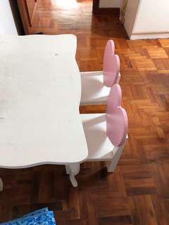 Kids room table and chair