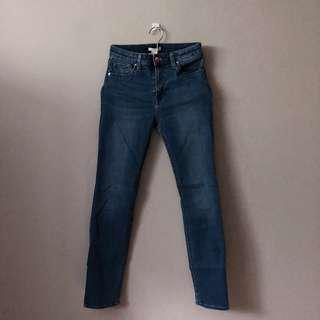H&M HIGH WAISTED SKINNY JEANS.