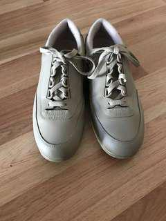Hush Puppies shoes for back
