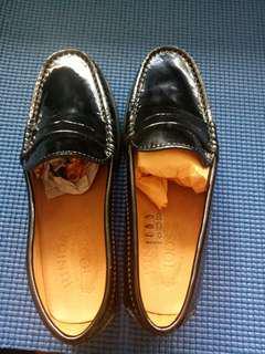 🚚 【義大利製】TOD'S 黑色漆皮童鞋(30)