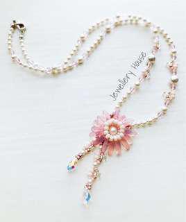 Handmade beaded Daisy flower pink necklace