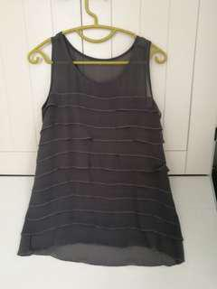 Vintage sleeveless grey top