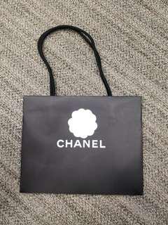 "Chanel中紙袋 (11.5""x9""x5"")  花+絲帶"