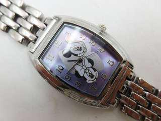 🚚 迪士尼 Disney 石英童錶 米奇米妮圖騰 手鍊錶 酒桶型