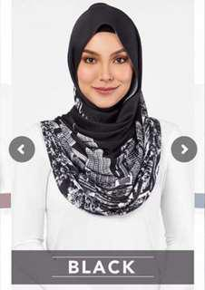 Kl duckscarf in black