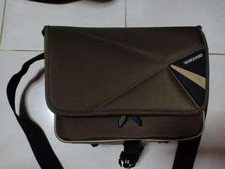 Vanguard Pampas II 22 camera sling bag