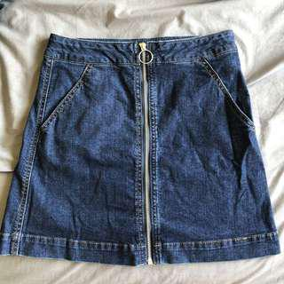 Zip up denim mini skirt
