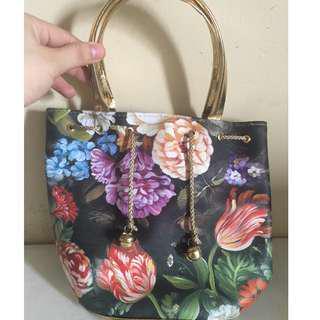 Floral mini bucket bag