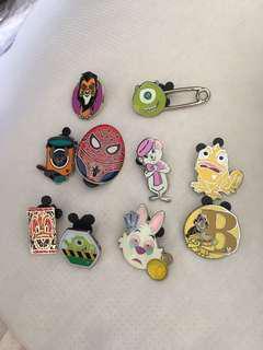 Disney pins  trading 迪士尼襟章徽章交換大眼仔美女與野獸史迪仔