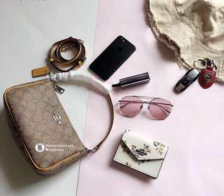 FREE FOR YOU🤩Coach Signature Top Handle Crossbody