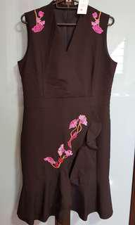 (With tag) alyssandra dress (black with floral)