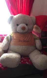 Giant teddy bear 🐻 ❤️