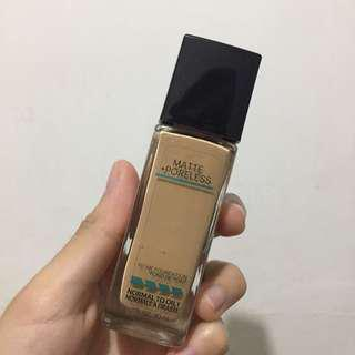Maybelline Fit Me Foundation 220