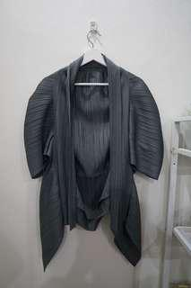 Outer pleats