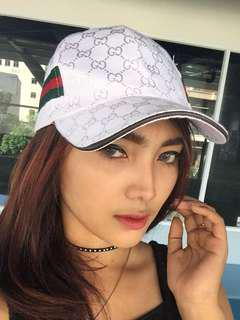 topi gucci white