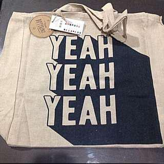 Typo canvas bag