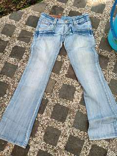 celana jeans sz 26serbu!! serba 20rb