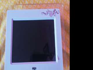Aigo Digital Photo Frame
